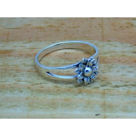Sterling Silver Flower Ring Open Shoulders