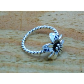 Sterling Silver Twisted Flower Ring
