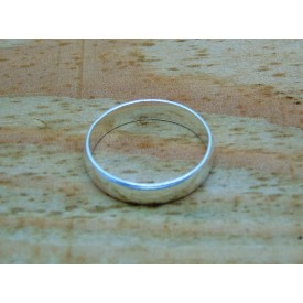 Sterling Silver Plain 4mm Light Weight Ring